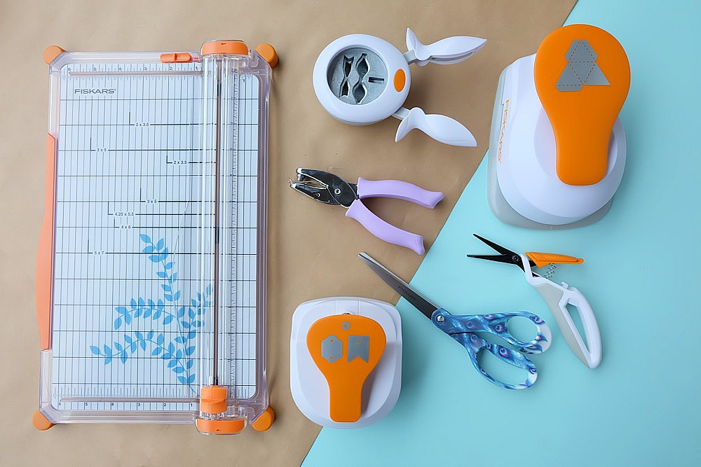 Fiskars Craft Bundle Giveaway from Hello Creative Family. Open to residents of Canada and the US. Closes December 7, 2018. #Giveaway #win #contest