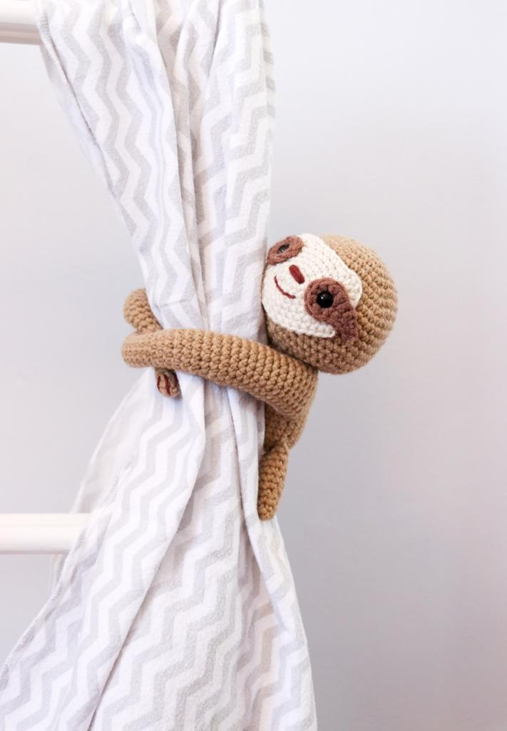 Sloth Crafts, Printables, SVG's DIY's, Food and Gift Ideas: DIY Sleepy Sloth Curtain Tie Back Free Pattern by Thoresby Cottage