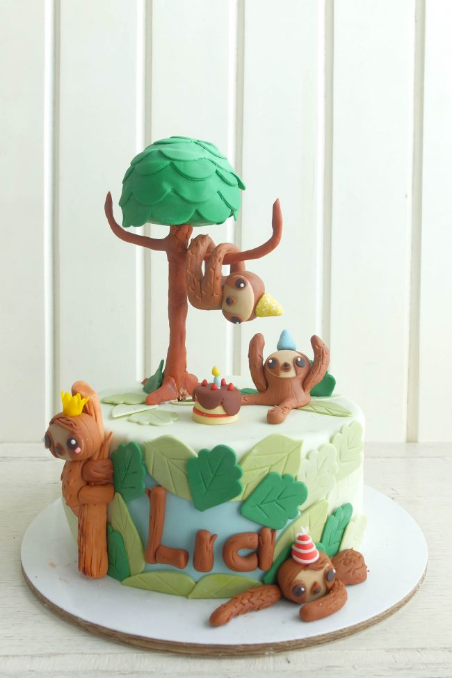 Sloth Crafts, Printables, SVG's DIY's, Food and Gift Ideas: Sloth Cake from Cottontail Cake Studio