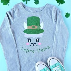 Love llamas? We're making you pinch proof with the CUTEST DIY St Patricks Day Shirt ever! Its a Lepre-llama and you can make it with your Cricut! Leprechauns have never looked cuter than with this llama twist! Includes step by step instructions including tips for layering htv. #Cricut #CricutMade #DIY #Llama #StPatricksDay #Sponsored