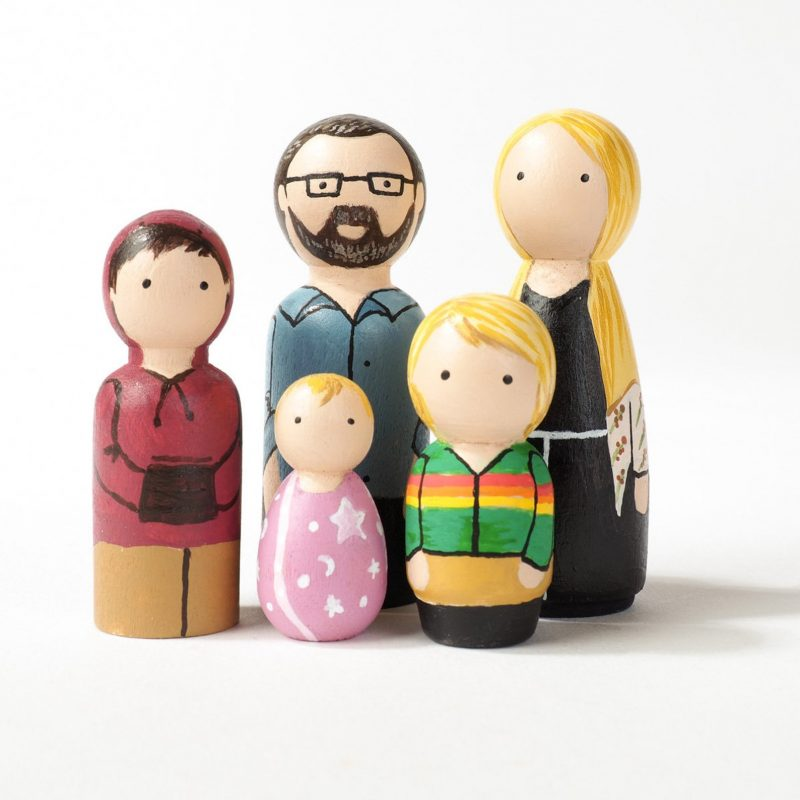Shop Handmade Mother's Day Gift Ideas For Mom: Personalized Peg Doll Family from Itzy Zazzy Design