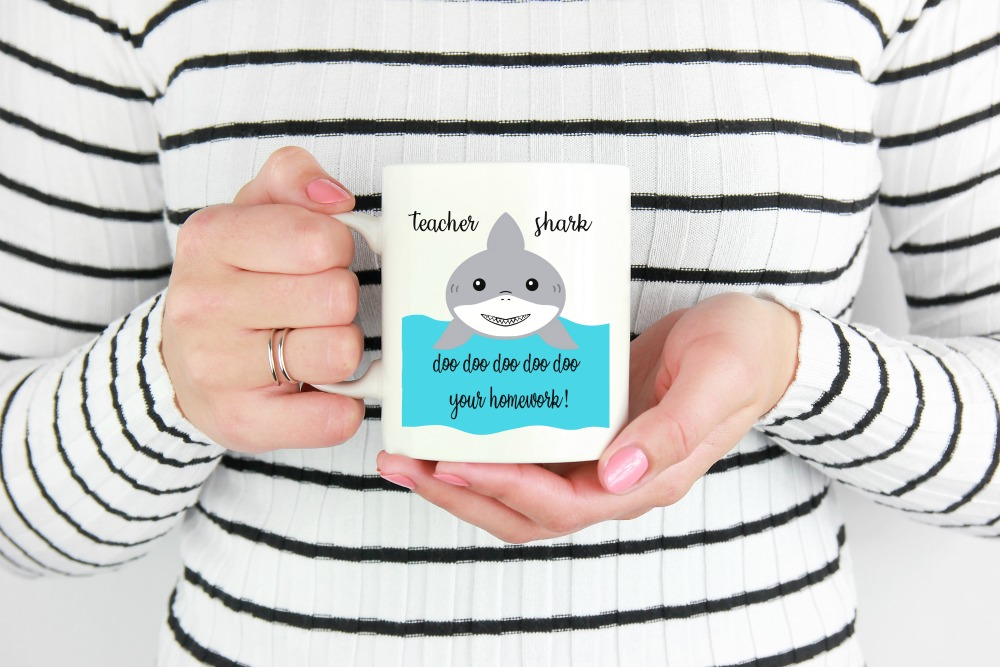 DIY Teacher Shark Doo Doo Doo Doo Your Homework Mug. Download the free teacher svg file.