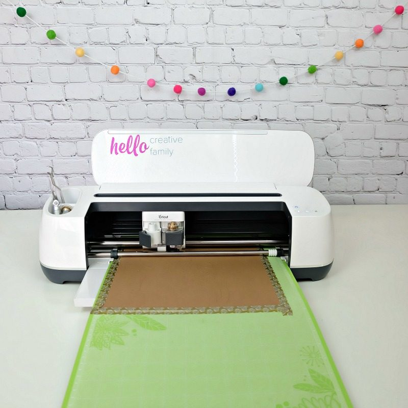 Hello Creative Family's Cricut Maker