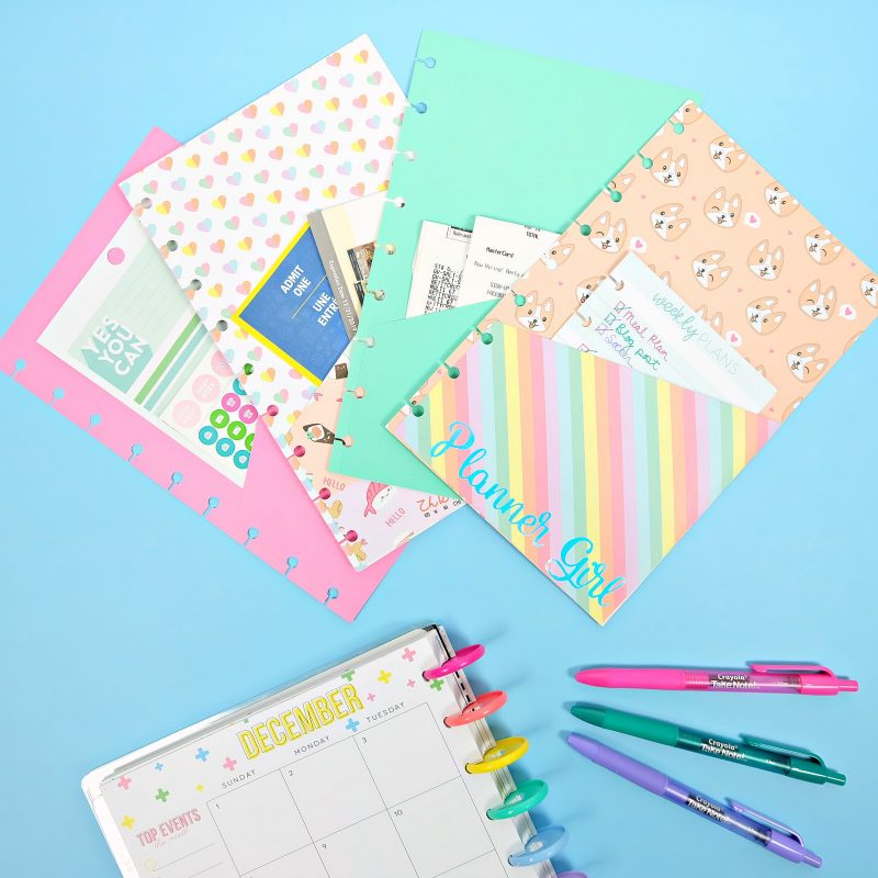 Get your 2020 planning started right with our DIY Free Pocket Planner Folder Cut file! We're sharing it along with 15 free svg cut files for your planner including planner stickers and other planner supplies! Whether you use a bullet journal, a Happy Planner or an Erin Condren Life Planner you are going to love these free cut files! Make them using your Cricut Maker, Cricut Explore or Silhouette Cameo #Cricut #SVGFiles #Planner #CutFiles #HappyPlanner #Silhouette
