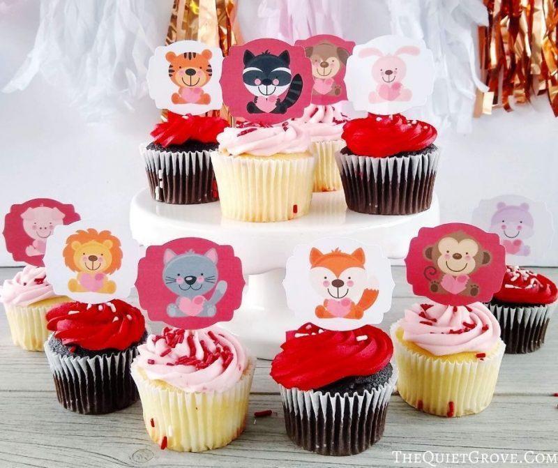 Cricut zoo animal cupcake toppers.