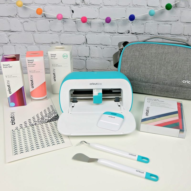 Craft EVERYWHERE with Cricut Joy! We're sharing 3 Cricut Joy Projects that are perfect for quarantine and can be made in different rooms of the house! Projects include pantry labels to get you organized, a DIY lion birthday card fit for the Tiger King himself and a toilet paper decal for the bathroom. Each project takes less than 15 minutes to make and are simple and easy Cricut projects! #CricutMade #CricutJoy #CricutCrafts #QuarantineCrafts #Crafts #EasyCrafts