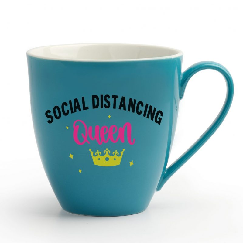 Do you know a woman who is rocking the social distancing game? Make a DIY Social Distancing Queen mug for her! The perfect handmade gift for mom for Mothers Day, birthdays or just because! Shirt is made using the Cricut Joy, Cricut Explore or Cricut Maker. This tutorial includes step by step instructions and link to a cut file in design space! #DIY #Homemade #CricutCreated #CricutJoy #CricutCrafts #QuarantineCrafts #CricutMaker #CricutExplore