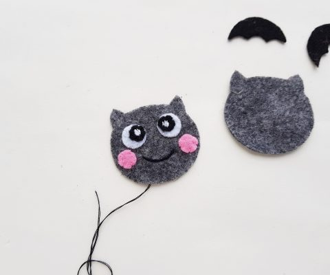 Learn to sew a bat stuffed animal with this simple sewing project! The perfect project for beginner sewers! Includes step by step photos and a free pattern. A fun little Halloween project! #sewing #Bat #StuffedAnimal #BeginnerSewing #SewingProject #TeensSewing #Felt