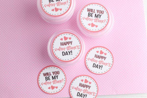 Attach one valentine to the lid of each cup. If you are not using printable vinyl you can do this with tape or glue.